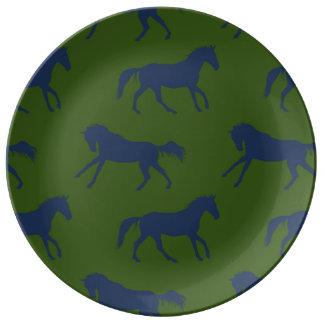 Modelo galopante de los caballos de la marina de plato de cerámica