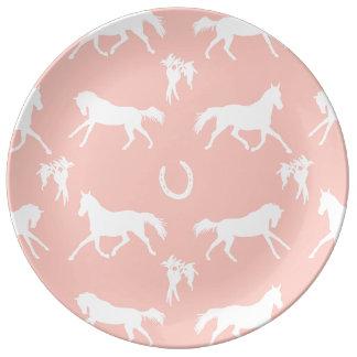 Modelo galopante del rosa y blanco de los caballos platos de cerámica