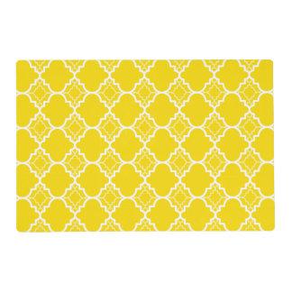 Modelo geométrico amarillo de Quatrefoil Tapete Individual