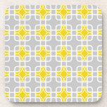 Modelo geométrico amarillo y gris moderno