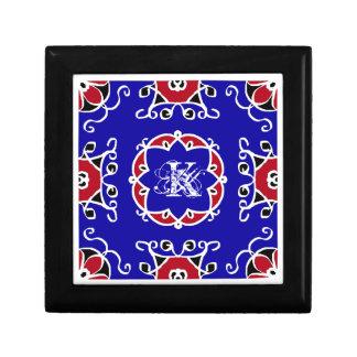 Modelo geométrico azul blanco rojo personalizable joyero cuadrado pequeño