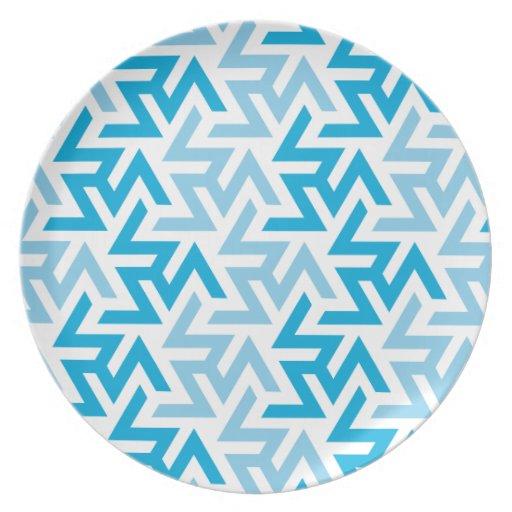 Modelo geométrico azul y blanco plato de cena