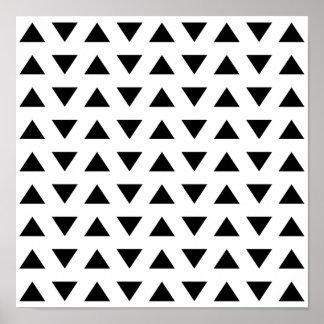 Modelo geométrico blanco y negro de triángulos póster