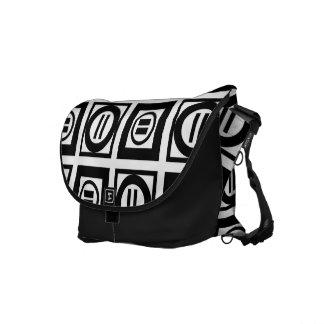 Modelo geométrico blanco y negro del signo de bolsas de mensajeria