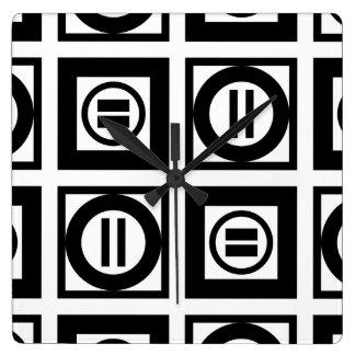 Modelo geométrico blanco y negro del signo de reloj cuadrado