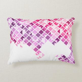 Modelo geométrico de la púrpura, rosado y blanco cojín decorativo