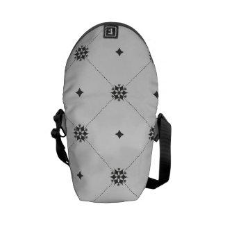 Modelo geométrico de los copos de nieve del bolsas de mensajeria
