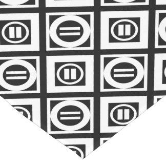 Modelo geométrico del signo de igualdad del blanco camino de mesa corto