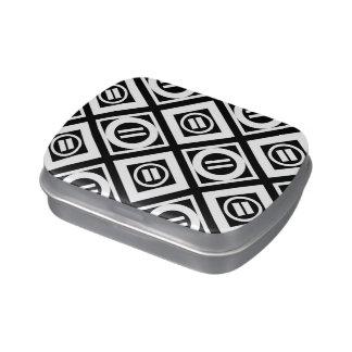 Modelo geométrico del signo de igualdad del blanco latas de dulces