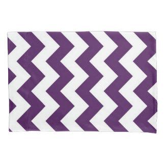 Modelo geométrico del zigzag púrpura y blanco funda de cojín