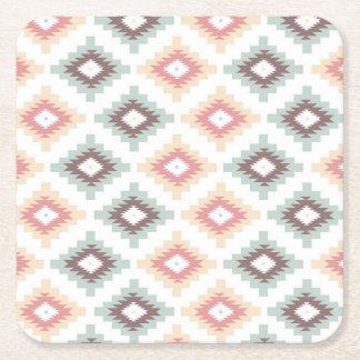 Modelo geométrico en estilo azteca posavasos de cartón cuadrado