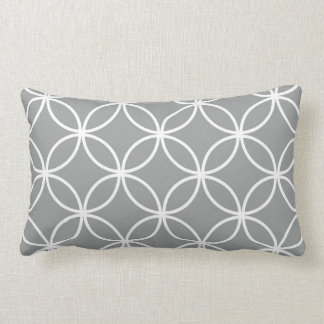 Modelo geométrico gris y blanco moderno de los almohadas