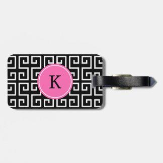Modelo geométrico negro, blanco, rosado con monogr etiquetas para maletas