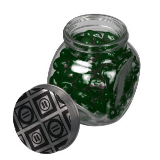 Modelo geométrico negro del signo de igualdad en jarras de cristal jelly bely