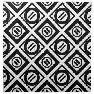 Modelo geométrico negro del signo de igualdad en servilletas de papel