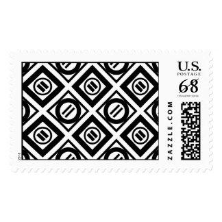 Modelo geométrico negro del signo de igualdad en timbres postales