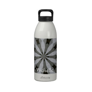 Modelo geométrico negro y gris botella de beber