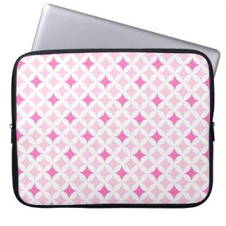 Modelo geométrico rosado del ordenador portátil fundas portátiles