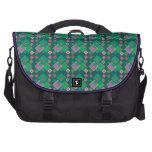 Modelo geométrico verde de los cuadrados bolsas de portatil