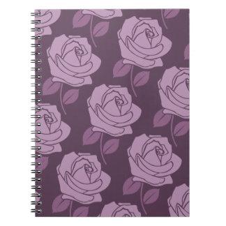 Modelo grande color de rosa rosado en ciruelo spiral notebook