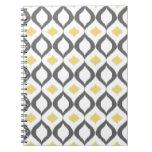 Modelo gris amarillo geométrico retro de Ikat Cuadernos