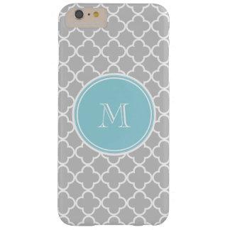 Modelo gris de Quatrefoil, monograma azul Funda De iPhone 6 Plus Barely There