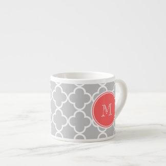 Modelo gris de Quatrefoil, monograma coralino Taza Espresso