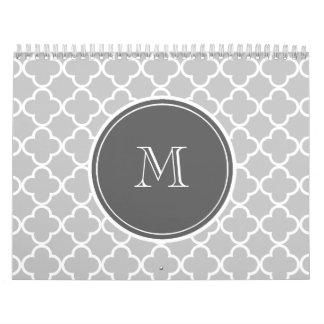 Modelo gris de Quatrefoil, monograma del carbón de Calendario De Pared