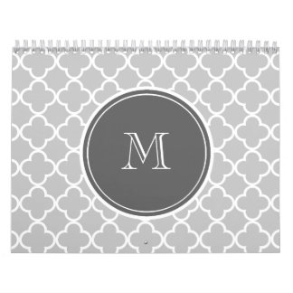 Modelo gris de Quatrefoil, monograma del carbón de Calendarios De Pared