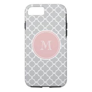 Modelo gris de Quatrefoil, monograma rosado Funda iPhone 7