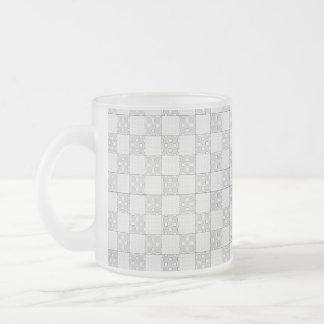 Modelo gris del remiendo tazas