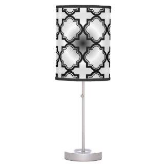 Modelo gris negro marroquí lámpara de mesa