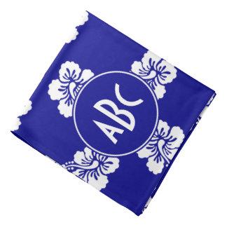Modelo hawaiano azul marino y blanco con monograma