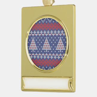 Modelo hecho punto árbol de navidad del rojo azul rótulos de adorno dorado