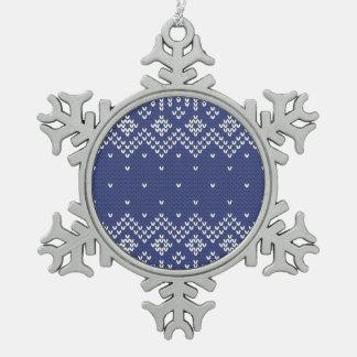 Modelo hecho punto extracto del navidad azul y adorno de peltre en forma de copo de nieve
