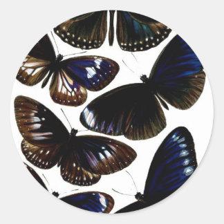 Modelo hermoso de la imagen de las mariposas del pegatina redonda