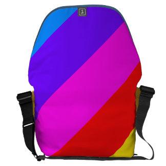 Modelo horizontal de la raya del arco iris bolsa de mensajeria