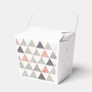 Modelo incompleto #1 de los triángulos caja para regalo de boda