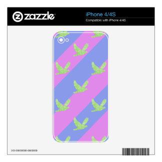 Modelo inconsútil del pájaro y de las rayas skins para eliPhone 4
