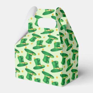 Modelo irlandés verde del gorra, diseño del día de caja para regalos de fiestas