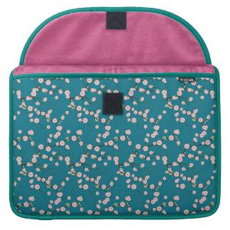 Modelo japonés azul y rosado de la flor de cerezo fundas macbook pro