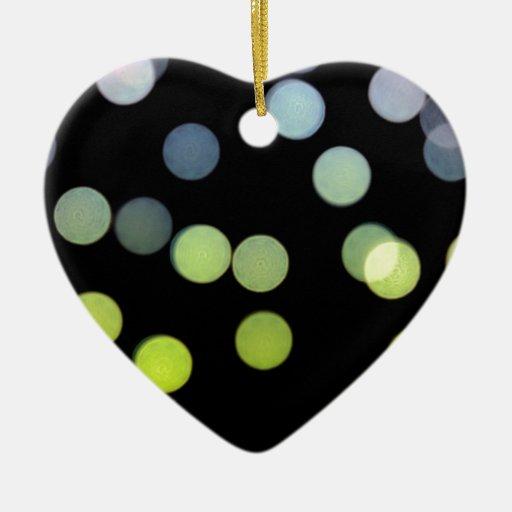 modelo ligero de los puntos coloridos adorno navideño de cerámica en forma de corazón