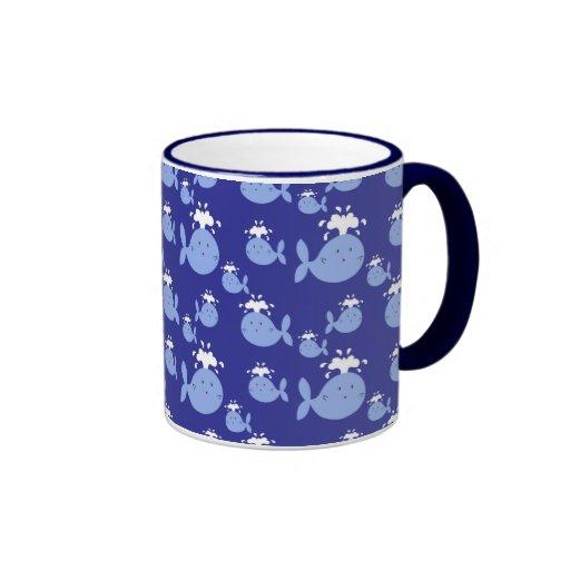 Modelo lindo de la ballena azul del dibujo animado taza