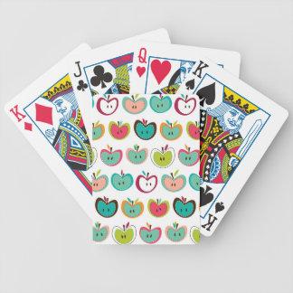 Modelo lindo de la manzana barajas de cartas