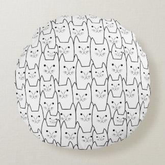 Modelo lindo de los gatos cojín redondo