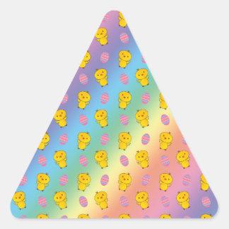 Modelo lindo de pascua del polluelo del bebé del pegatina triangular