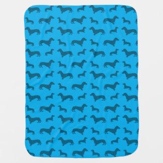 Modelo lindo del dachshund del azul de cielo mantas de bebé