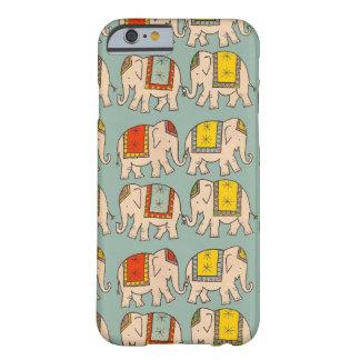 Modelo lindo del elefante de los elefantes del funda de iPhone 6 barely there