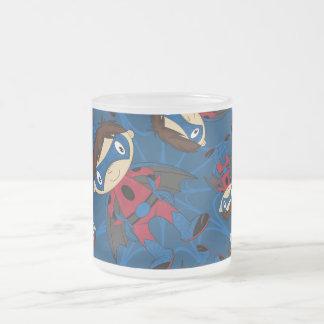 Modelo lindo del muchacho del super héroe tazas de café