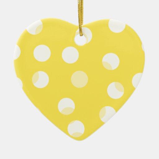 Modelo manchado amarillo, amarillo claro, blanco adorno navideño de cerámica en forma de corazón